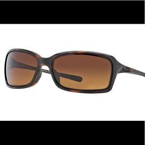 Oakley dispute sunglasses